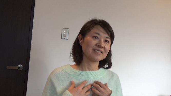 リコネクションを受けた時の感想を語るリコネクティブヒーリングサーティファイドプラクティショナーの江藤美智子の写真